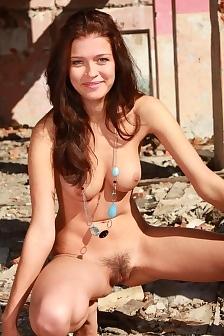 Busty Natural Liza