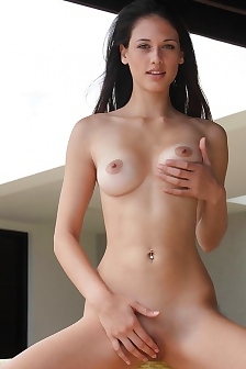 Tiffany Hot Brunette Play With Her Pussy And Tits