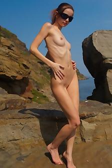 Anya Sunny Side Of Life