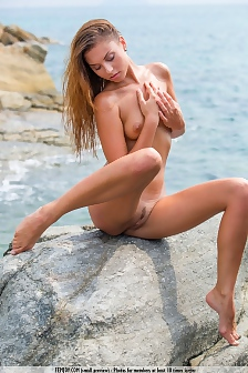 Naked Lovely Sabrisse Having Fun By The Sea