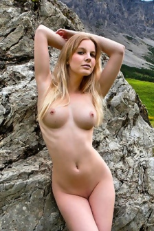Belinda Naked In The Nature