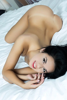 Gorgeous Carmen Summer Nude In Her Bed