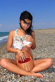 Tanaia Femjoy