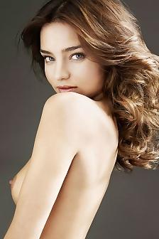 Miss Miranda Kerr Posing Completely Naked