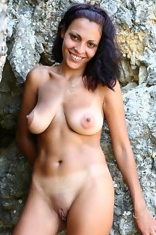 Jenia Undressing