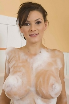 Anita In The Bathtub