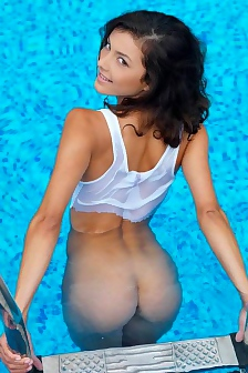 Divina The Pool Babe